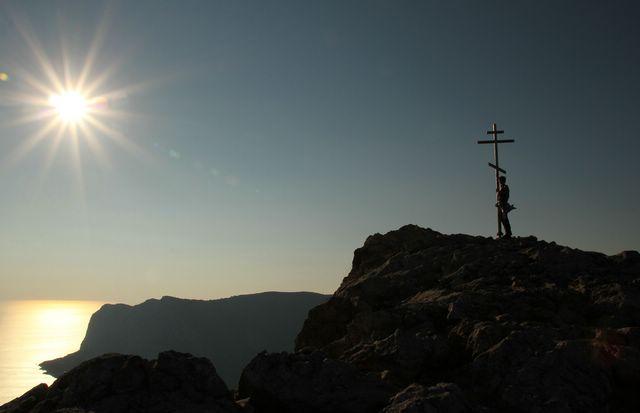 Лучше гор могут быть только горы, где друзей ты новых повстречал.